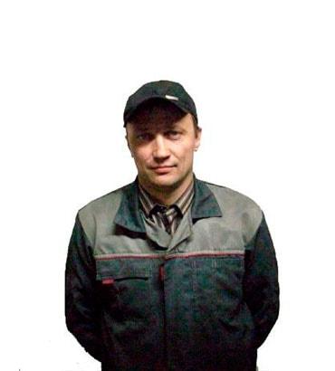 наши мастера с опытом в ремонте автомобилей от 10 лет фото1